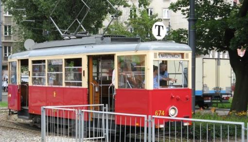 Zabytkowy tramwaj na pl. Narutowicza